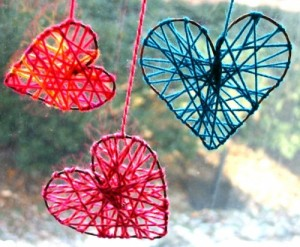 diy-yarn-hearts-1-500x413[1]